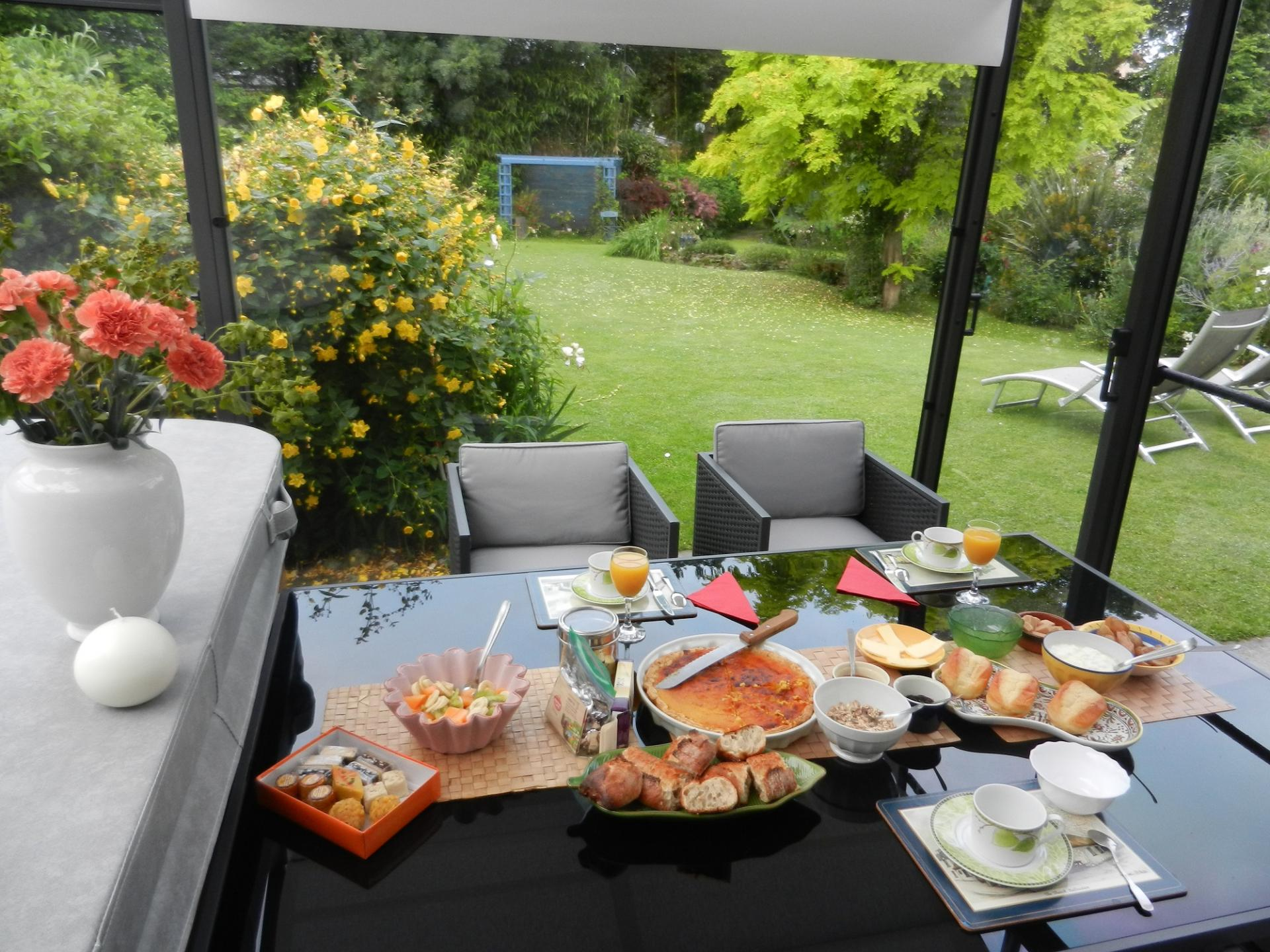 petit dejeuner dans veranda